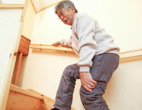 Ghế massage cho người cao tuổi hỗ trợ điều trị đau nhức xương khớp